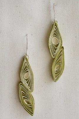 leaf earring - green